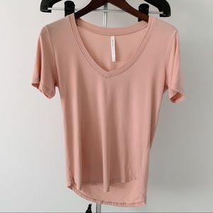 Aritizia The Group Babaton Pink Shirt Small